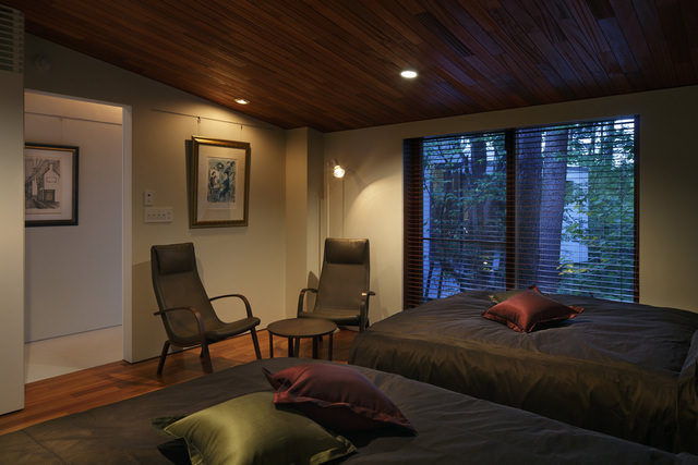 Residence in Daisen [The Aperture in the Forest] image2