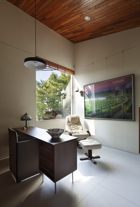 Residence in Daisen [The Aperture in the Forest] image4