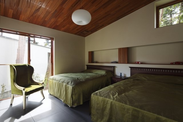 Residence in Daisen [The Aperture in the Forest] thumbnail15