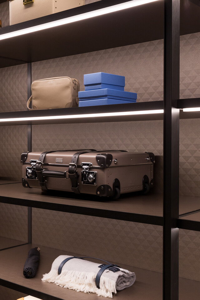 The Wardrobe for GLOBE-TROTTER by Molteni&C thumbnail8