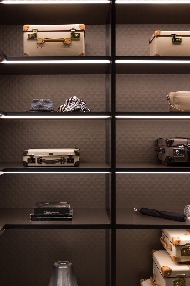 The Wardrobe for GLOBE-TROTTER by Molteni&C thumbnail10